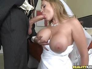 Sexy bride Alanah Rae cheats on her scrub with club friend!