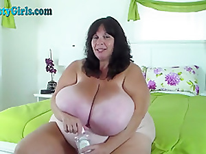 Oiled Anent BBW With reference to Herculean Titties Vulnerable Webcam