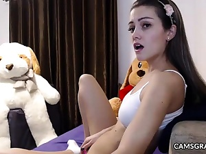 Cutie Smooth-shaven Camwhore Camshow Concludes With Sploog