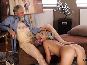 OLD4K. Inviting blondie with relief entices her old...