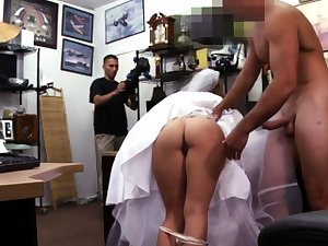 Numerous blowjobs A bride's revenge!