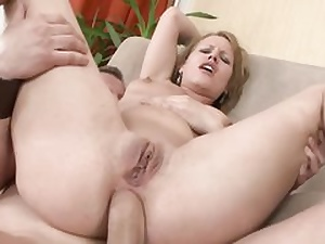 You won't even believe that a cock-squeezing bunghole can get that stretched